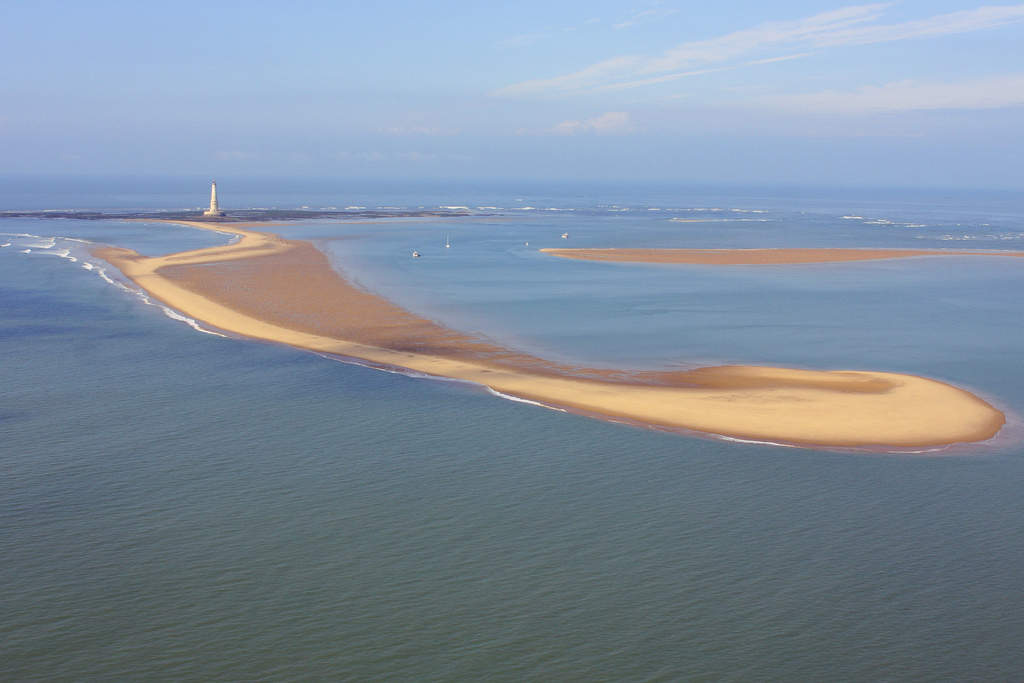 Le banc de sable, la nouvelle île en formation...et le phare, bien sûr